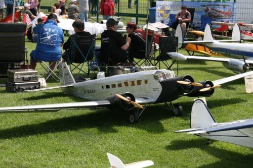 NRW II: Nachlese zum Tag des Modellflugs: Luftzirkus IKARUS Harsewinkel